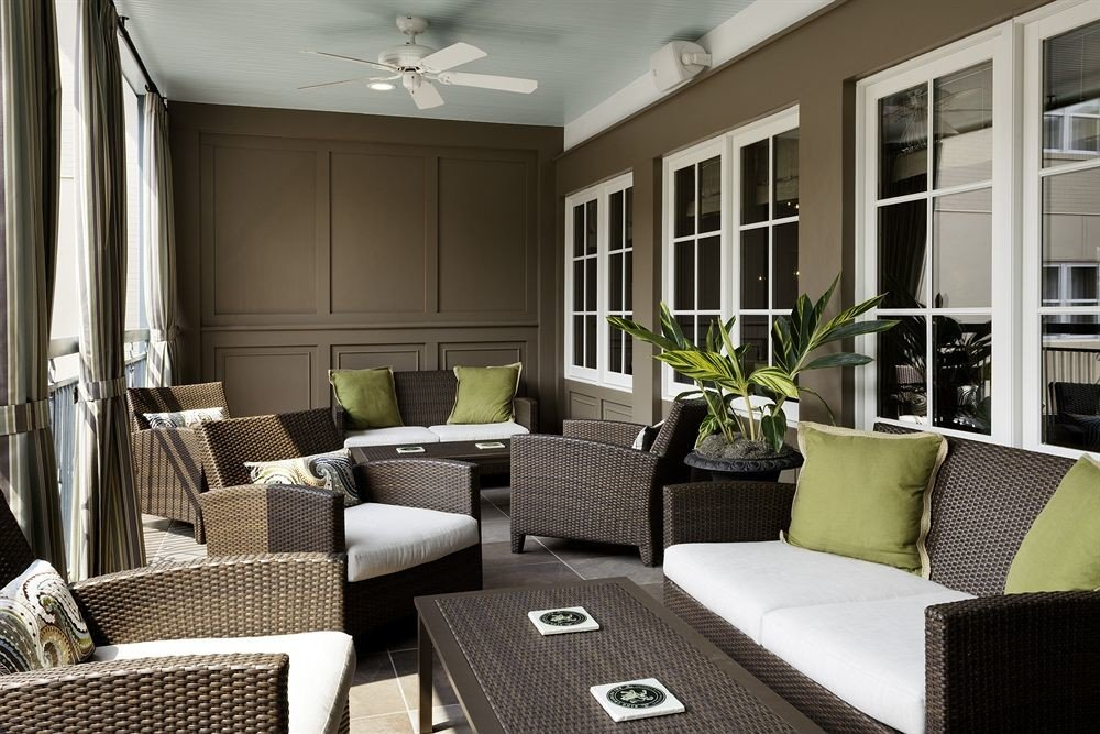 Elegant Lounge living room property home condominium Suite cottage porch