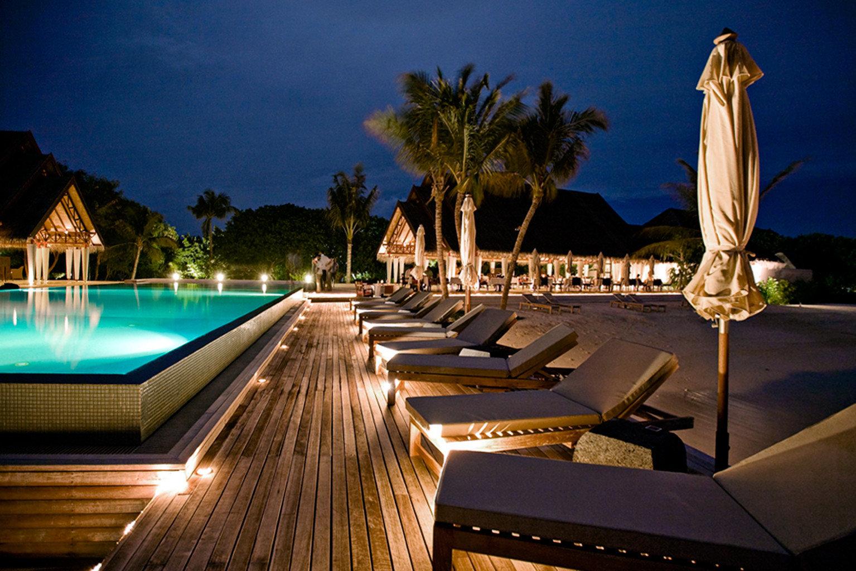 Elegant Luxury Modern Pool night Resort swimming pool lighting