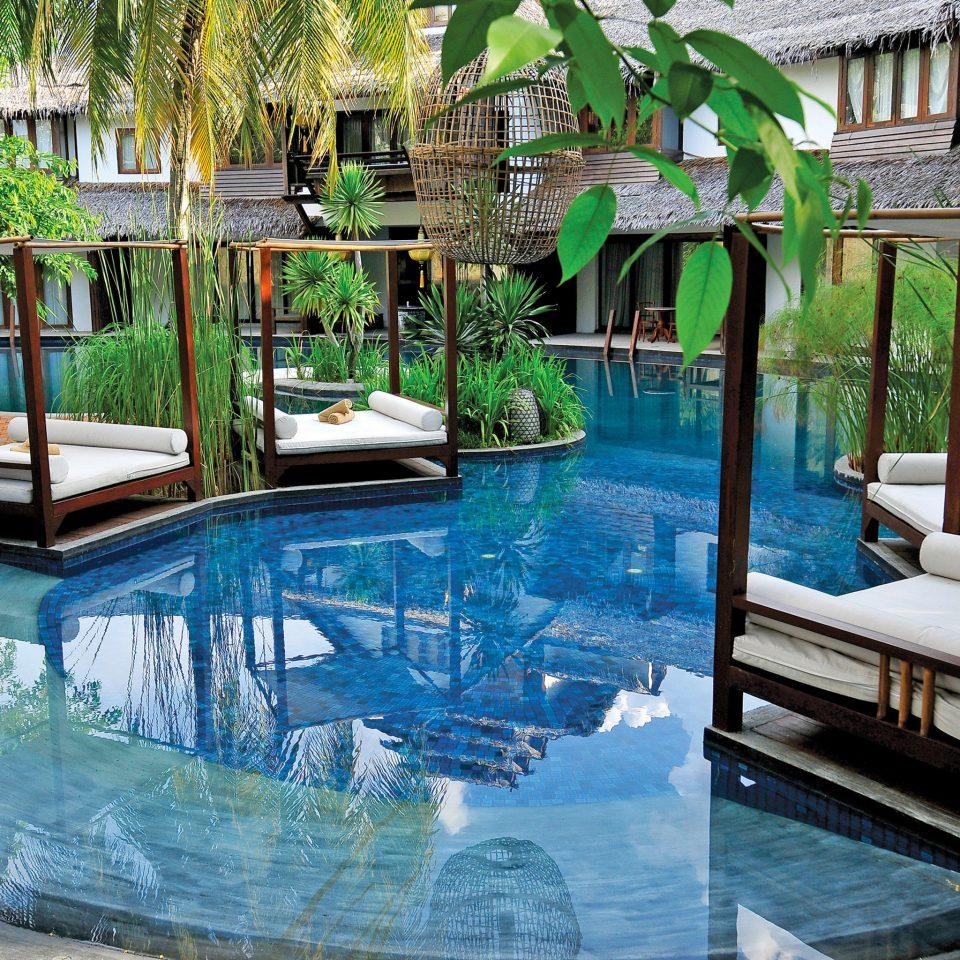 Elegant Luxury Modern Pool building swimming pool property leisure Resort backyard Villa condominium