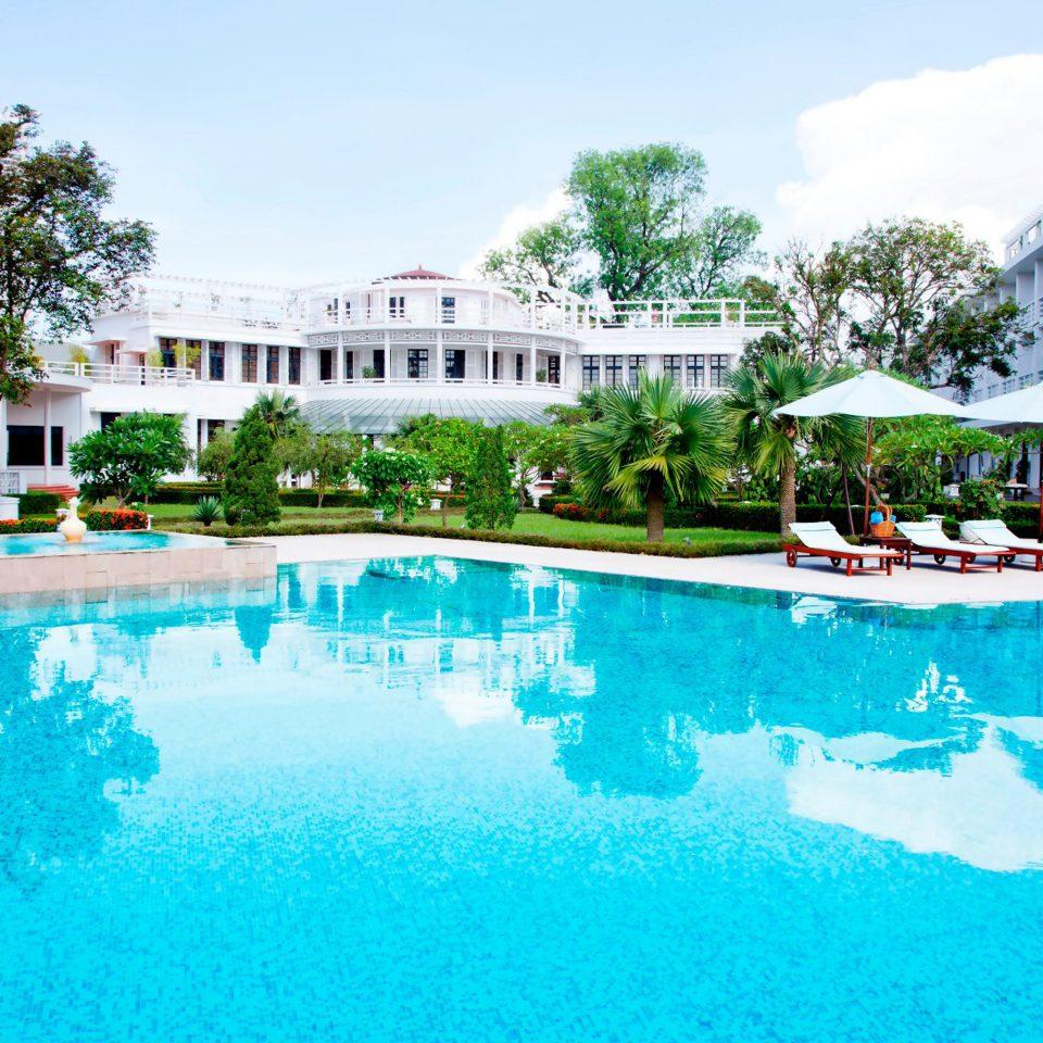 Elegant Modern Patio Pool Terrace sky building Resort swimming pool property leisure house resort town Villa condominium mansion reef bathtub swimming
