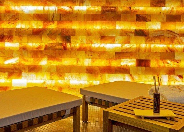 lighting restaurant empty