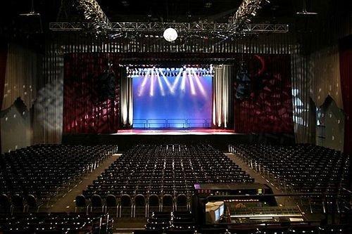 auditorium stage performing arts Entertainment audience musical theatre theatre music venue scenographer hall