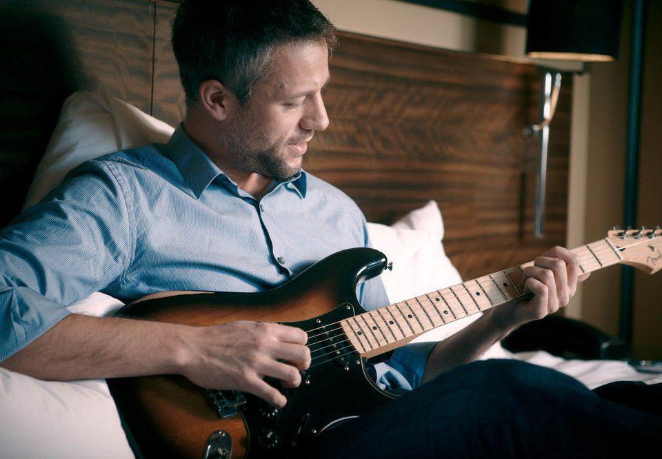 guitar guitarist musician performance Music bassist bass guitar Entertainment plucked string instruments string instrument singing singer songwriter