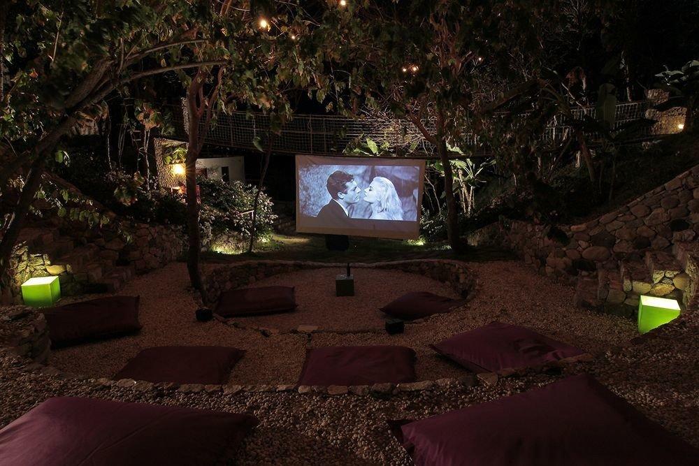 Entertainment Resort Waterfront tree night landscape lighting mansion lighting screenshot home backyard