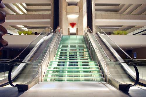 escalator public transport