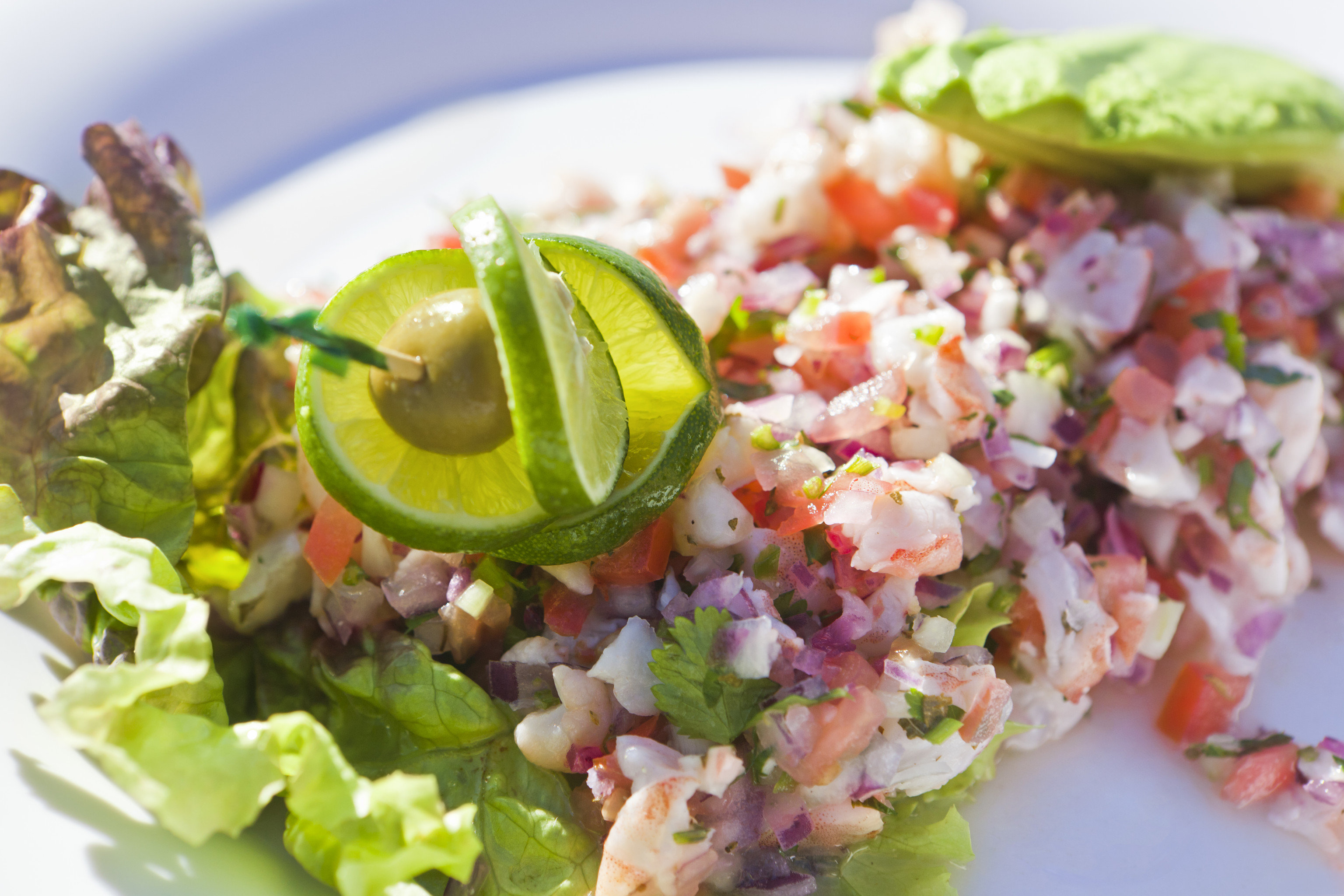 Beach food plate salad dish tuna salad cuisine produce vegetable ceviche greek salad tostada close fried rice toppings