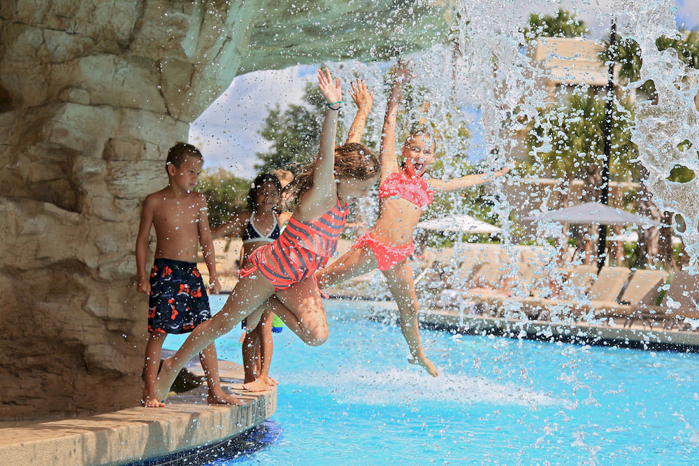 Exterior Family Grounds Pool water leisure swimming pool Water park Sport water sport amusement park swimming