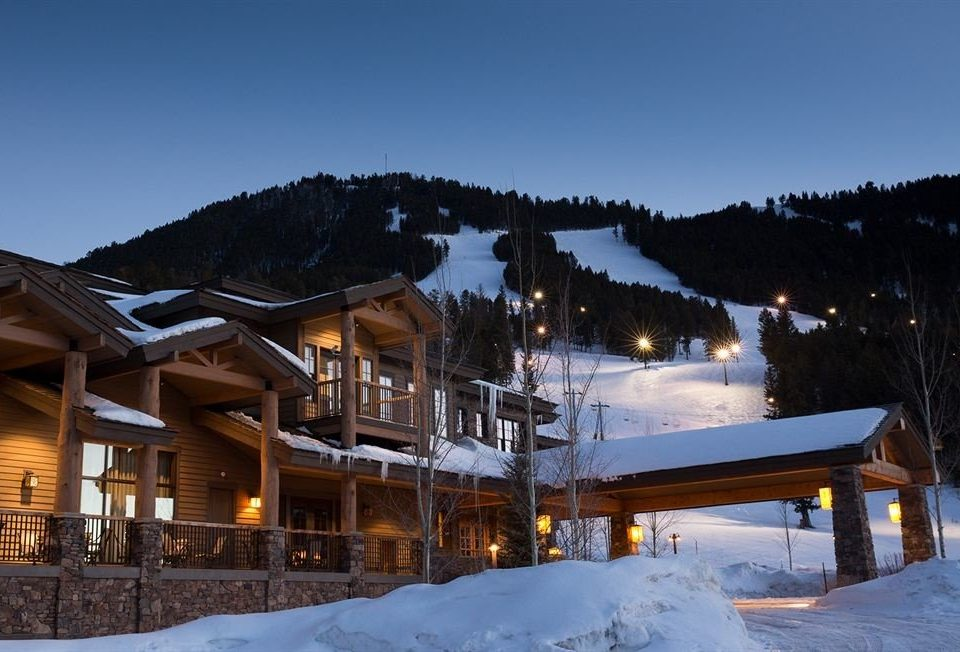 Exterior Family Lodge snow sky Winter weather mountain Resort Nature season house mountain range