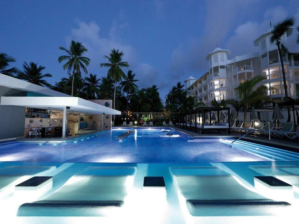 Exterior Grounds Luxury Pool Tropical sky swimming pool leisure Resort condominium marina plaza blue