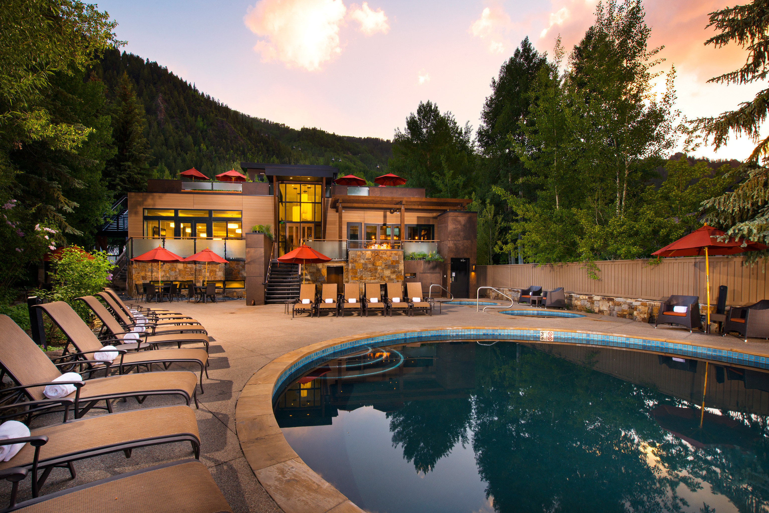 Exterior Grounds Mountains Pool tree sky leisure swimming pool Resort house home Villa mansion backyard