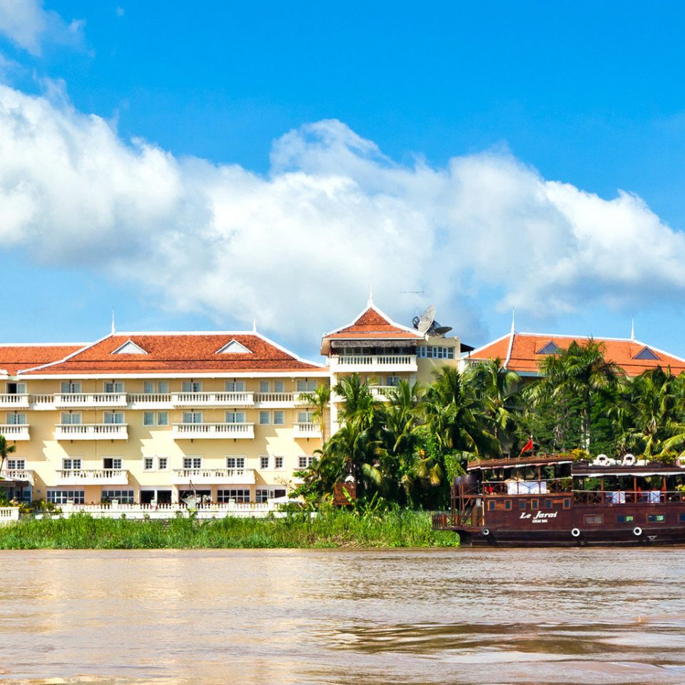 Exterior Grounds Tropical Waterfront sky water Town River residential area waterway shore