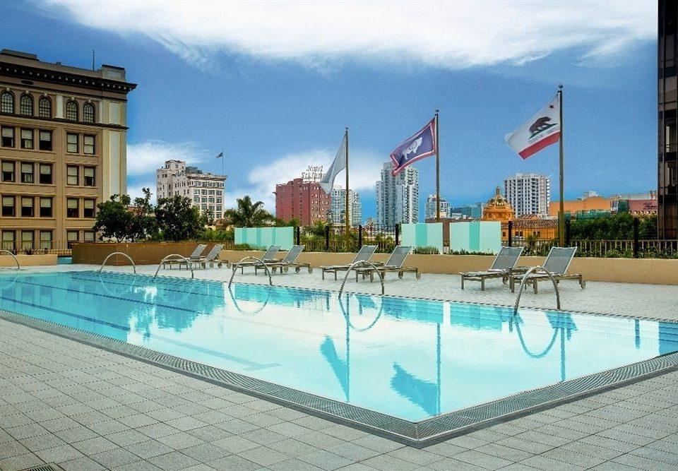 Exterior Hot tub/Jacuzzi Lounge Pool sky leisure swimming pool property Resort leisure centre condominium plaza reflecting pool Water park park amusement park