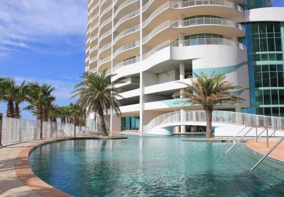 Exterior Hot tub/Jacuzzi Lounge Pool condominium building Resort property swimming pool Villa mansion swimming