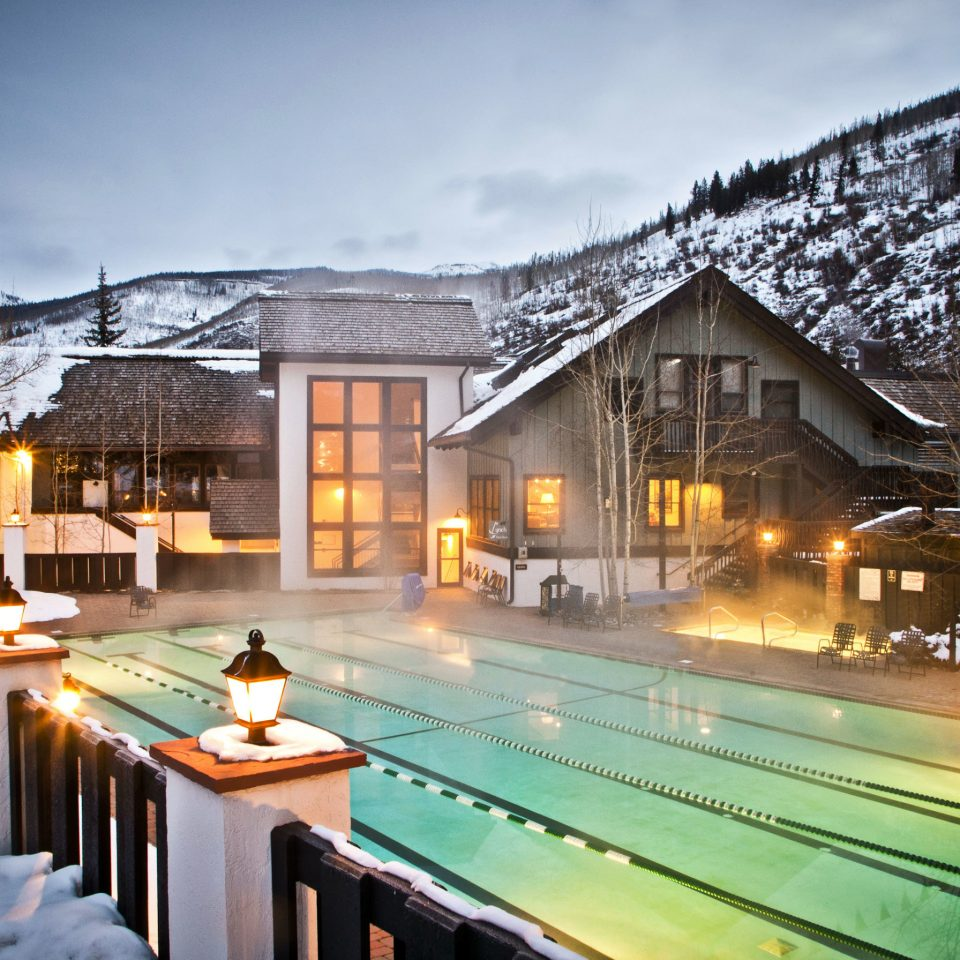 Exterior Hot tub/Jacuzzi Pool Resort sky snow house home