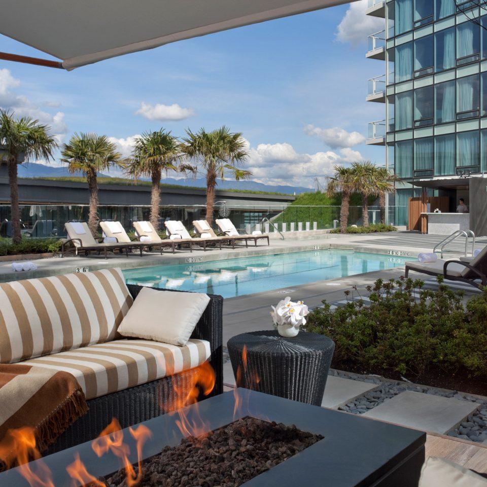Exterior Hotels Lounge Pool property condominium swimming pool Resort Villa home backyard overlooking set