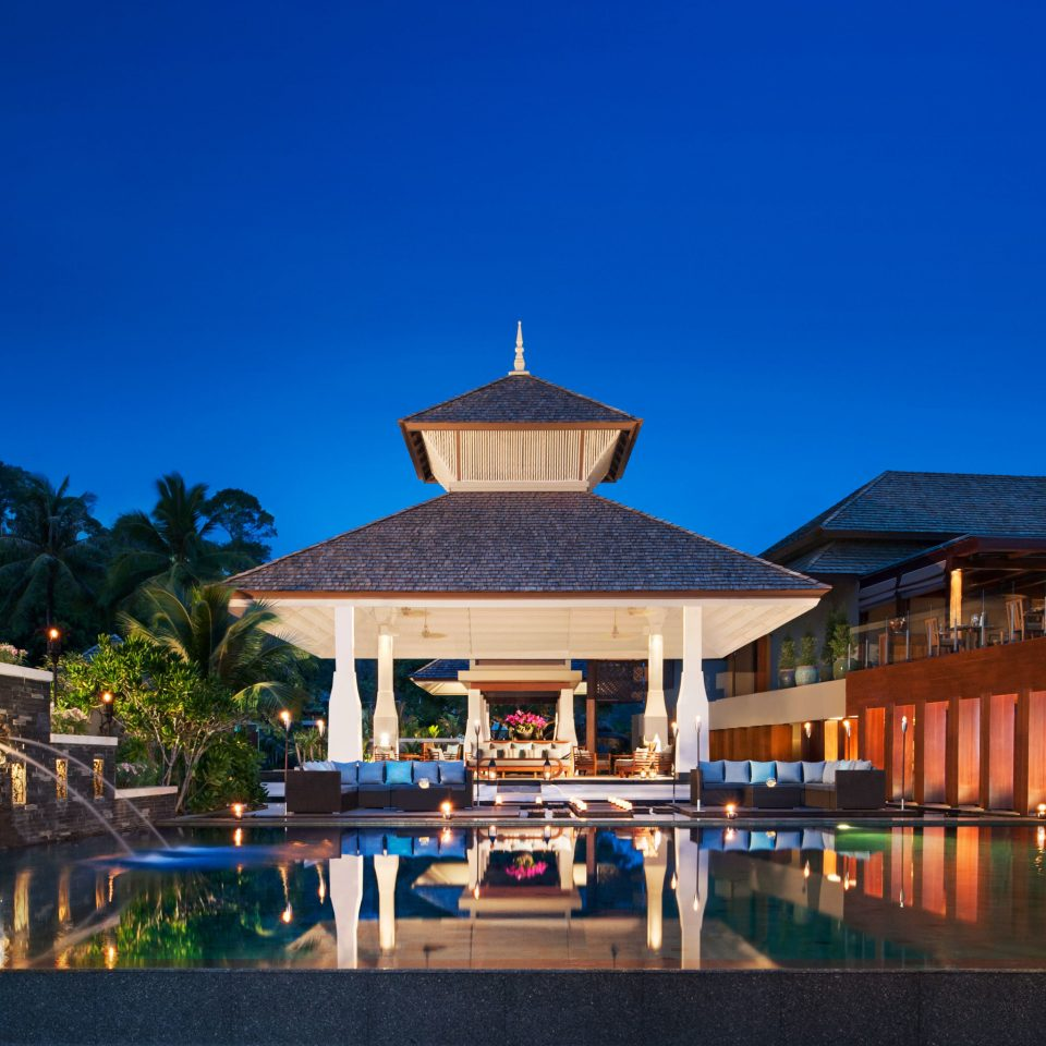 Exterior Lounge Romantic Waterfront sky landmark Town building house Resort home evening palace