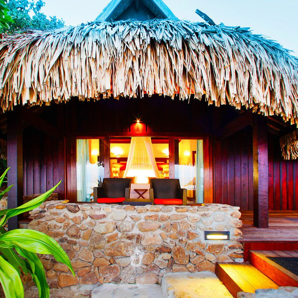 Exterior Luxury Overwater Bungalow Resort hut Villa hacienda colorful