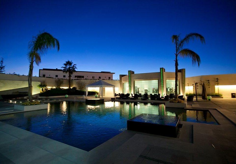 Exterior Modern Pool Tropical sky water swimming pool leisure property Resort reflecting pool Villa plaza condominium night