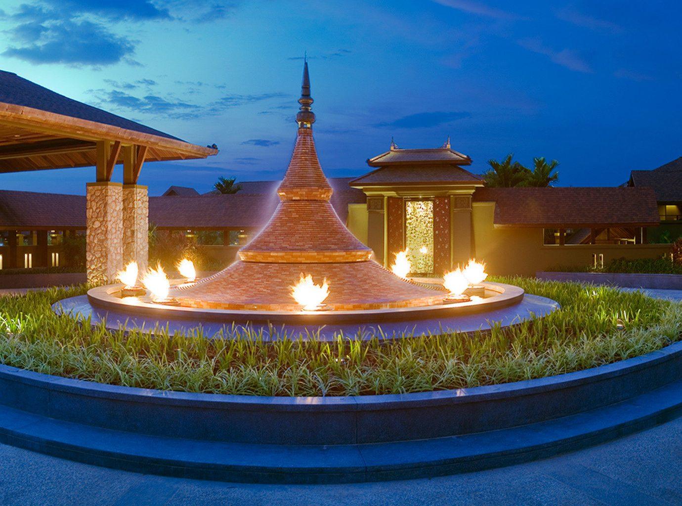 Exterior Nightlife sky property building Resort mansion home lighting landscape lighting palace hacienda Villa