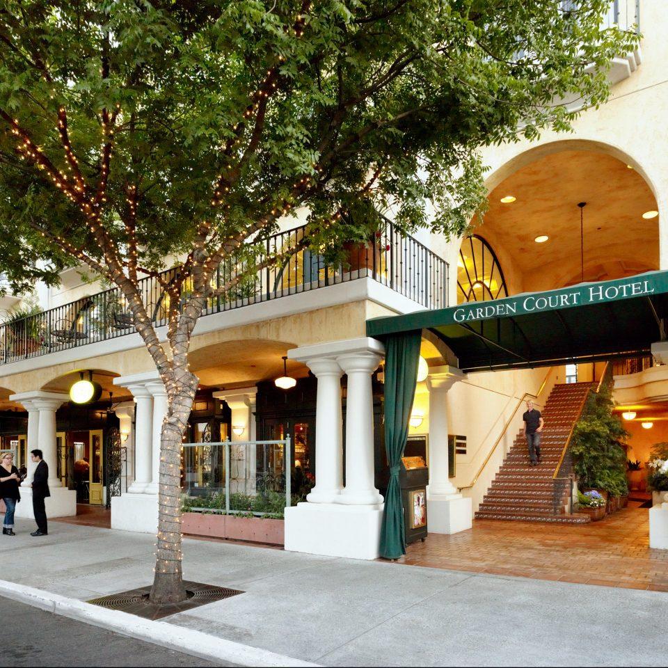 Exterior Romantic tree neighbourhood plaza restaurant shrine