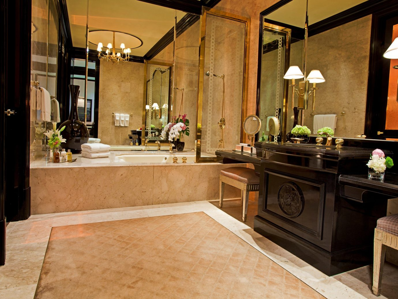 bathroom in a Three-Bedroom Villa at The Mirage Resort & Casino in Las Vegas