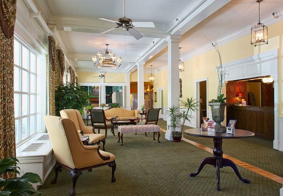 Family Inn Lobby property living room home condominium Villa mansion Suite