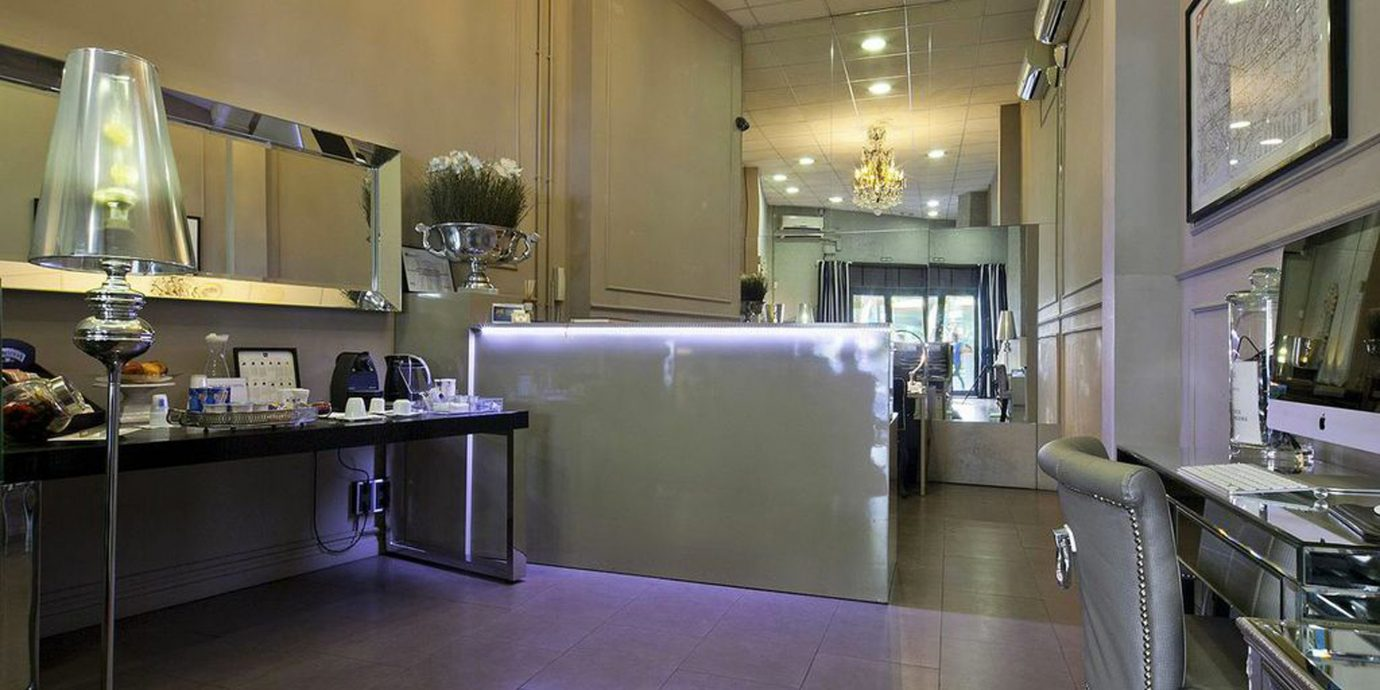 Family Lobby Lounge Modern property Kitchen home restaurant sink counter flooring long