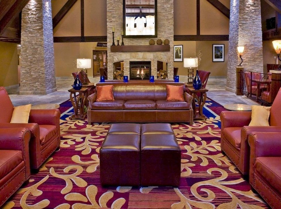 Family Lounge Lobby living room property Resort Suite mansion