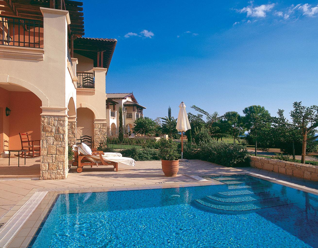 Family Luxury Pool Resort Scenic views Waterfront Wellness sky swimming pool property building Villa house home mansion backyard condominium hacienda swimming