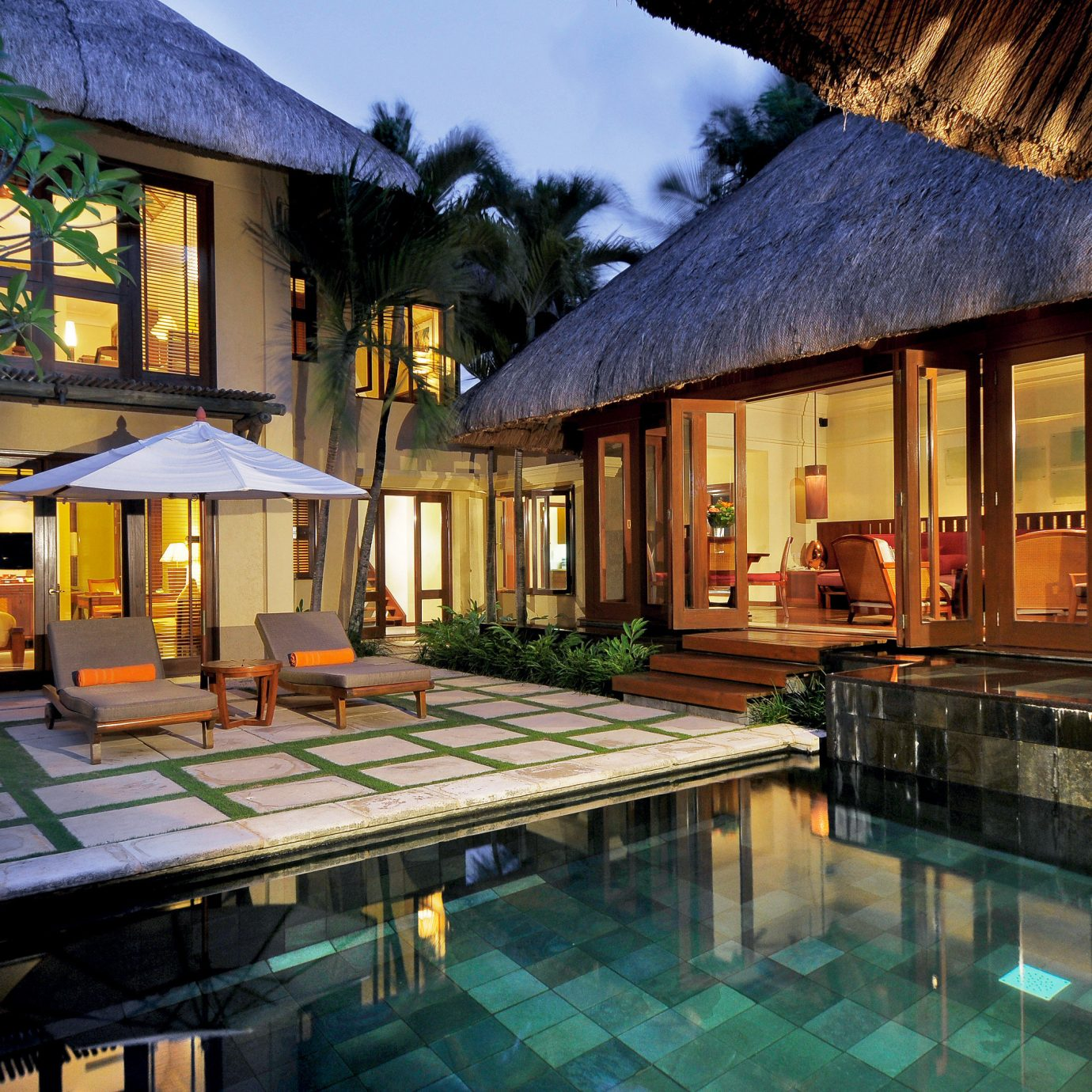 Family Pool Romantic Tropical Villa building property Resort house swimming pool home cottage mansion restaurant farmhouse