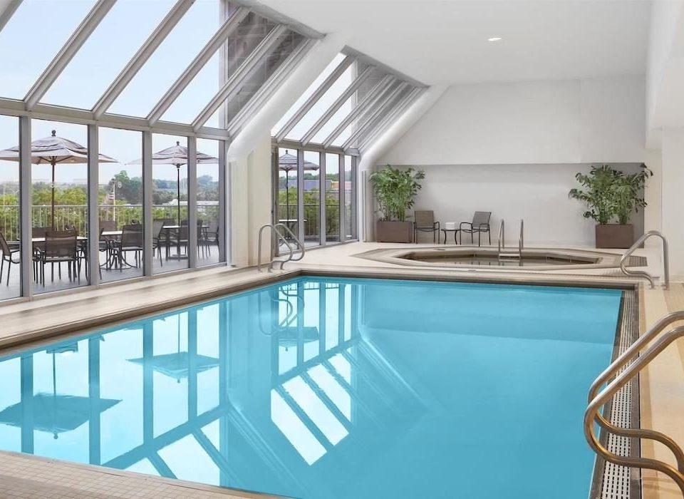 Family Pool swimming pool property building condominium home Villa