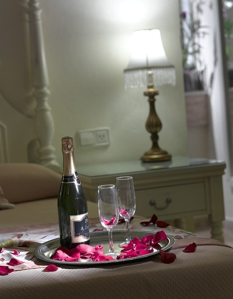 Family Resort glass lighting centrepiece wine glass material