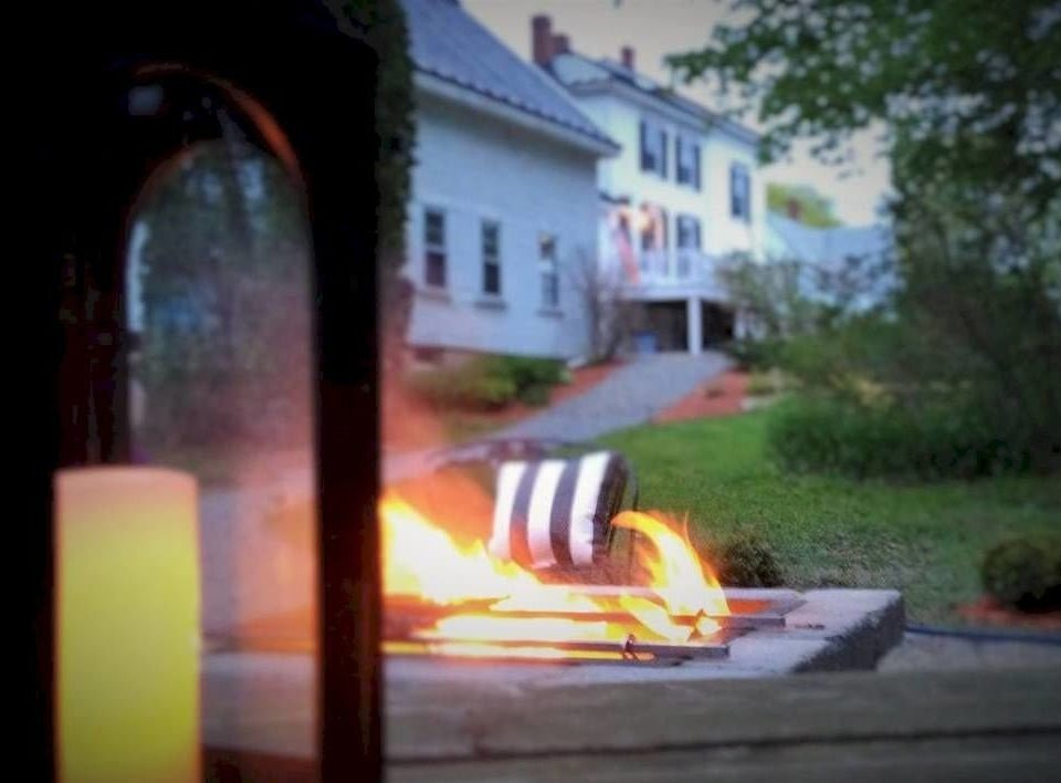 tree fire lighting