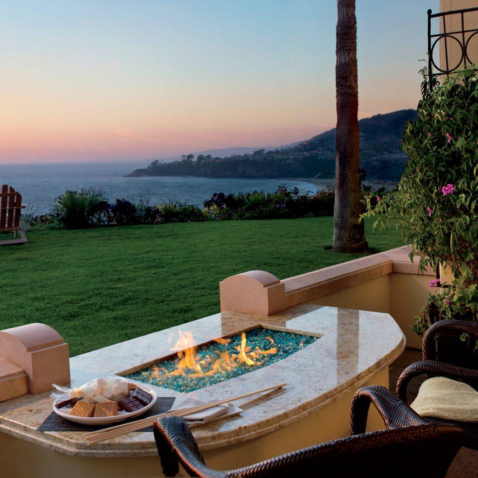 Firepit Lounge Scenic views sky property house home Villa cottage backyard Resort set overlooking