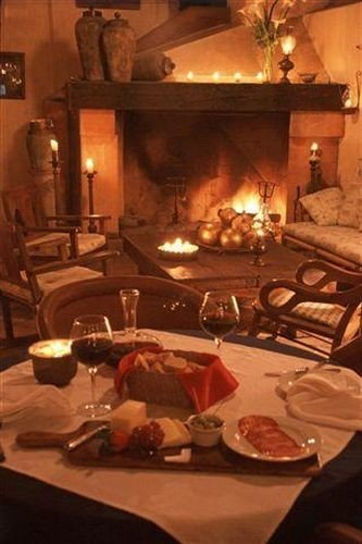 restaurant Fireplace cluttered cooking