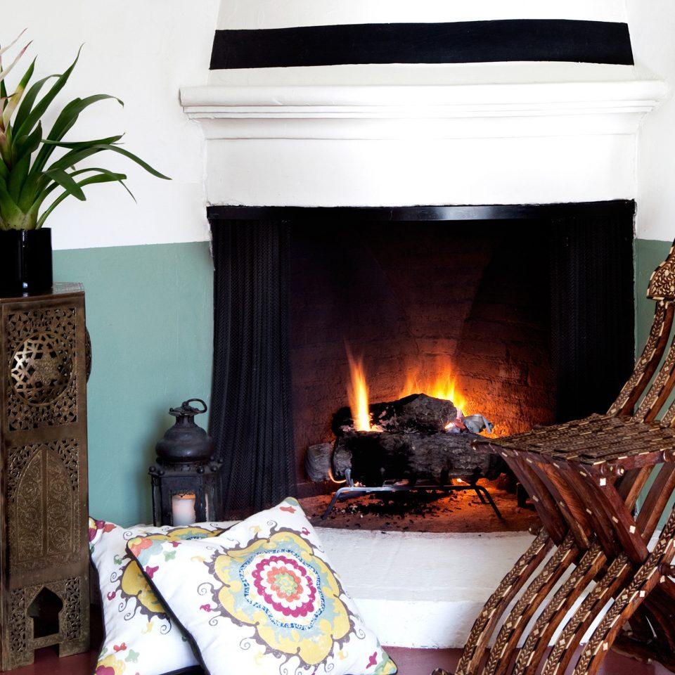 Fireplace hearth lighting living room