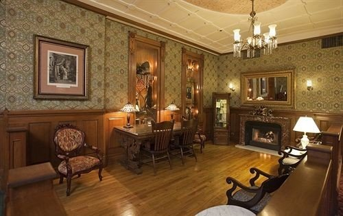 Fireplace Historic Lounge Resort property living room mansion home cottage recreation room Villa hard