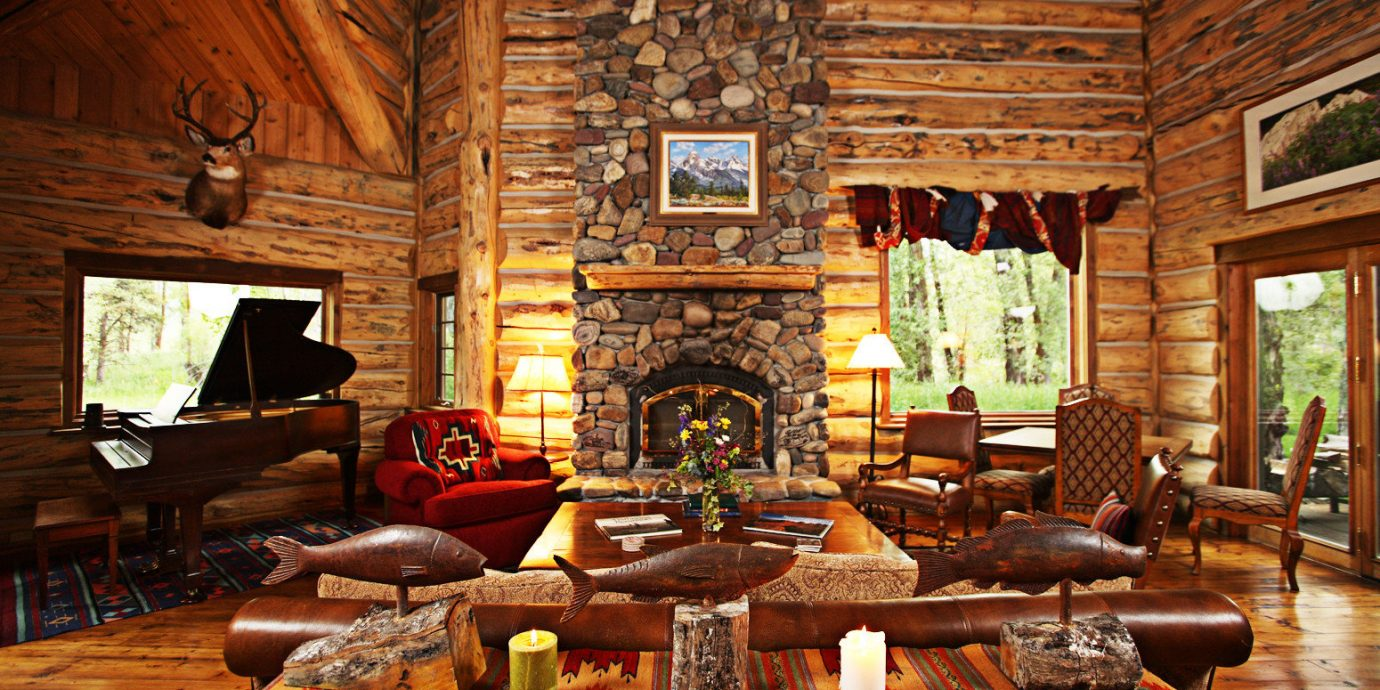 Fireplace Inn Lounge Rustic Scenic views property log cabin living room home recreation room cottage mansion screenshot farmhouse