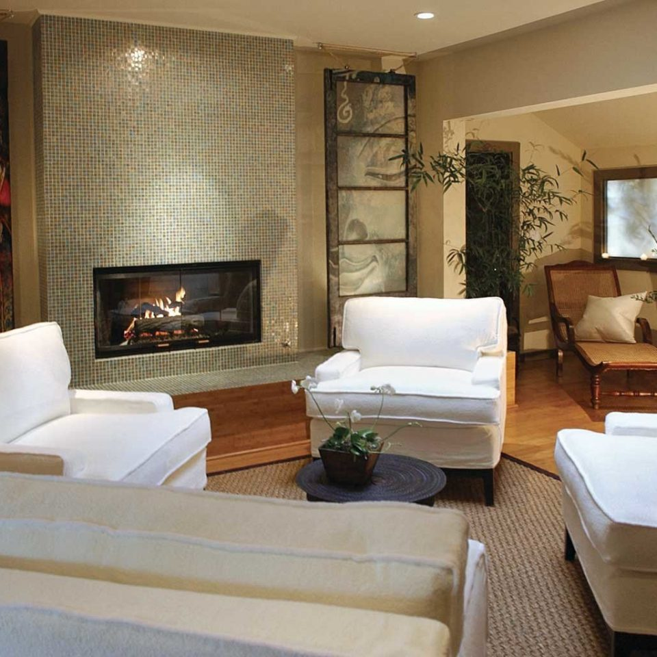 Fireplace Inn Romance Romantic property living room Suite condominium home cottage Villa