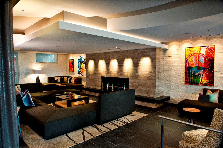 Fireplace Lounge Modern property Lobby recreation room living room lighting home restaurant