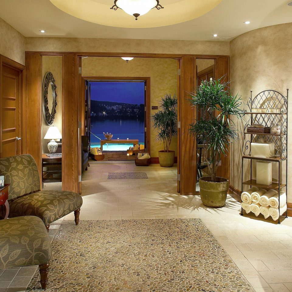 Luxury Resort Spa Wellness property living room mansion home Suite Lobby Villa Fireplace cottage stone