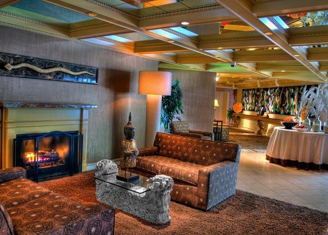 property Lobby recreation room Fireplace living room home Resort mansion stone