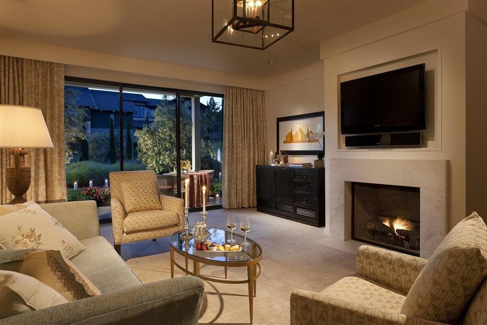 Lounge Luxury Romantic sofa living room property home condominium Fireplace hardwood Suite cottage Villa mansion flat