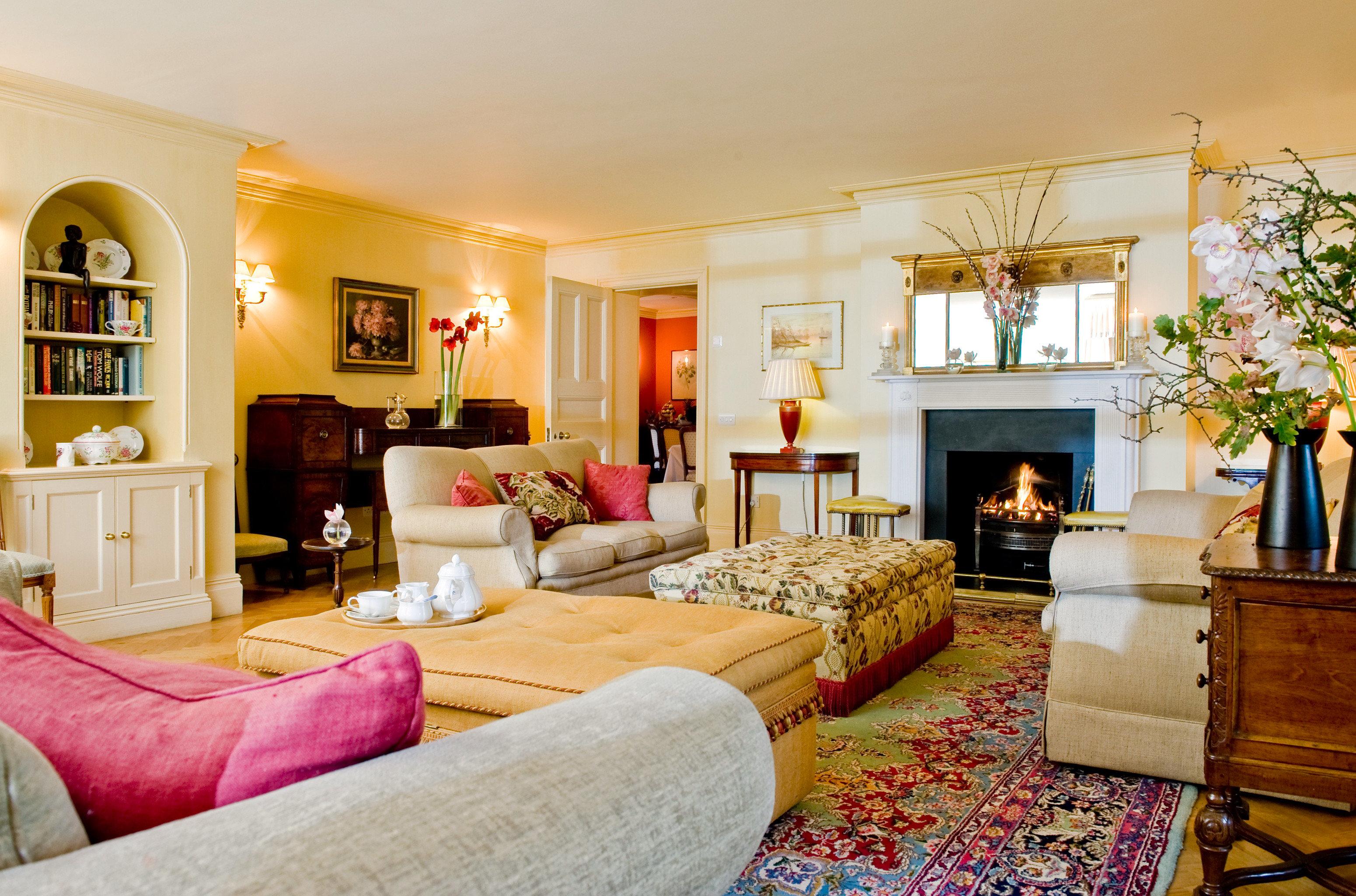 Fireplace Lounge Luxury Romantic Rustic sofa living room property home Suite Villa mansion cottage farmhouse