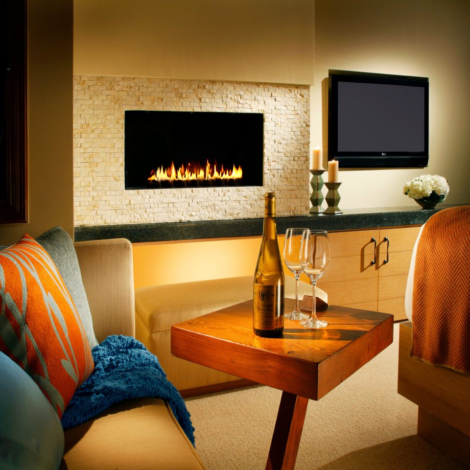Fireplace Lounge Resort living room property home Suite