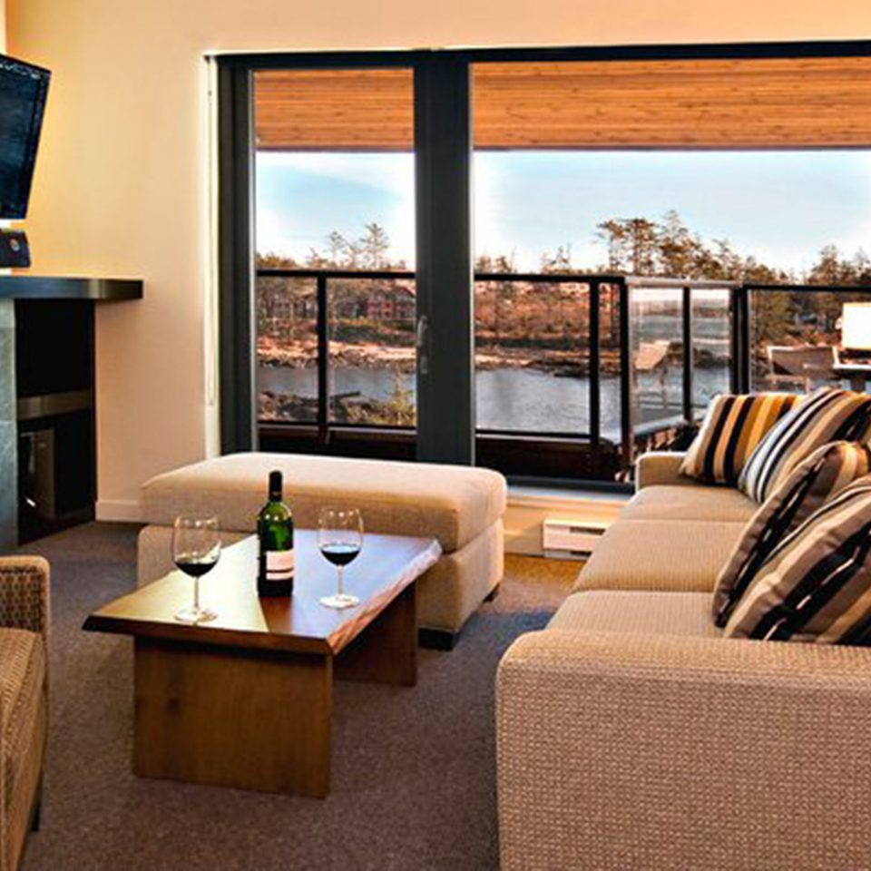 Fireplace Modern Resort Scenic views sofa property living room Suite home condominium cottage
