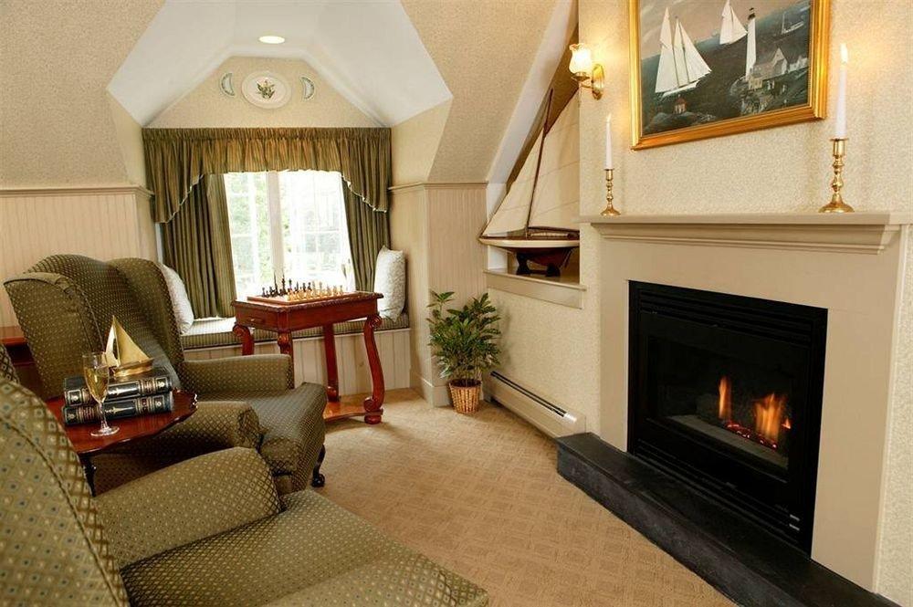 Fireplace property living room fire home Nature cottage Suite hardwood Villa