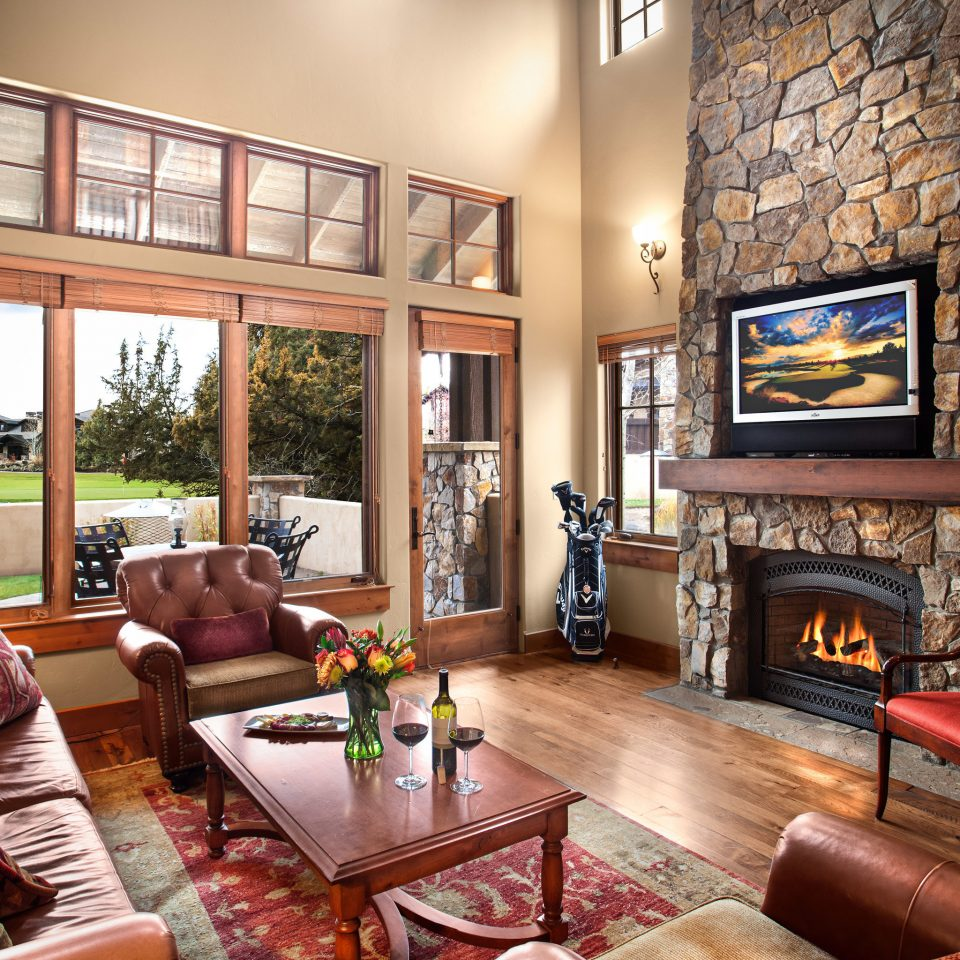 Fireplace Resort Scenic views Suite sofa living room property home cottage mansion leather