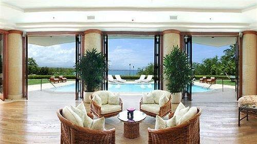 property building Resort Villa condominium Fireplace swimming pool home Suite mansion hacienda porch