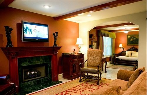 property living room Suite home cottage Villa Fireplace mansion condominium recreation room flat